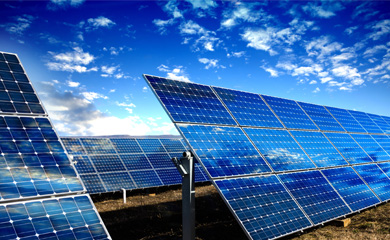 Monitoring of solar power plants – always keeping the sun in view.